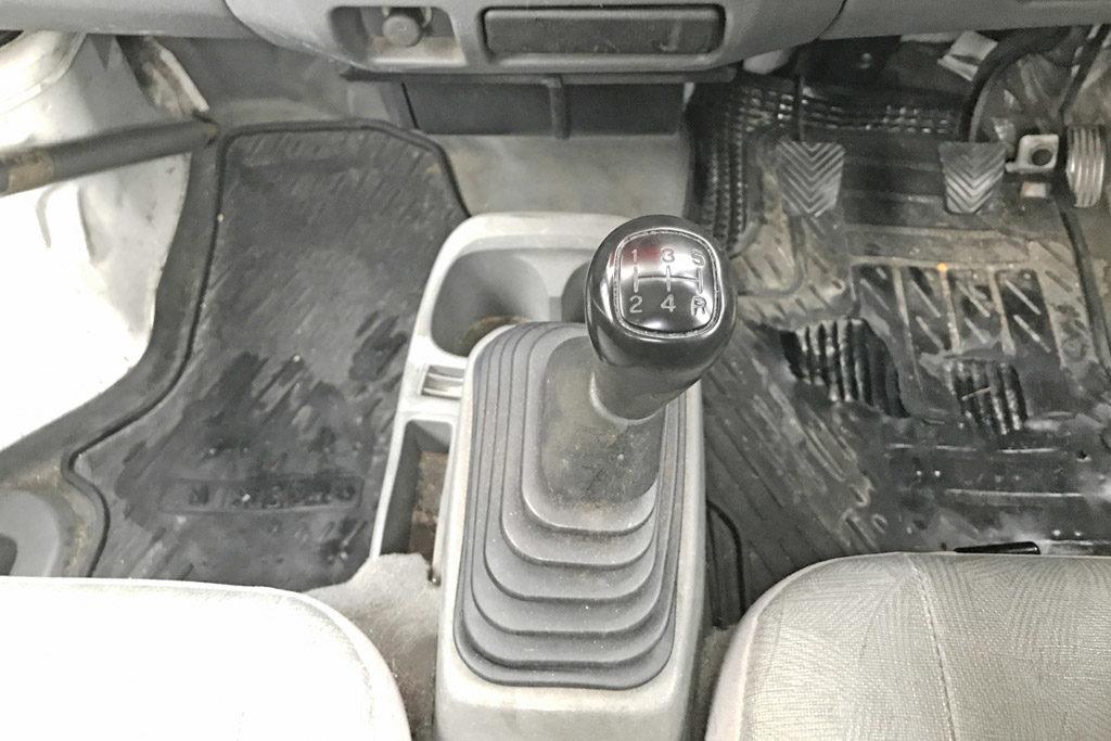マニュアル車
